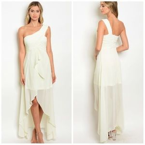 Dresses & Skirts - NEW ARRIVAL !! Chiffon One Shoulder Dress